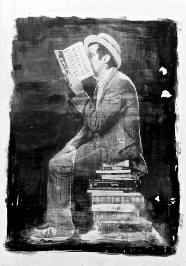 Reading (Wall painted)